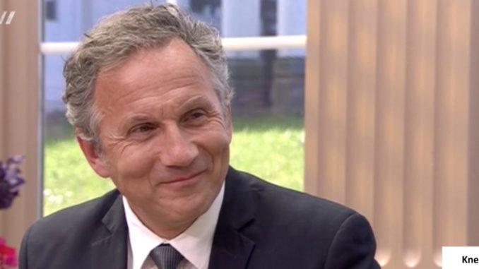 Orthopedisch chirurg Michiel van Trommel legt in Business Class uit wat het verschil is tussen KneeClinic en andere privé-klinieken