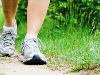 sporten na coronacrisis door bijvoorbeeld te wandelen